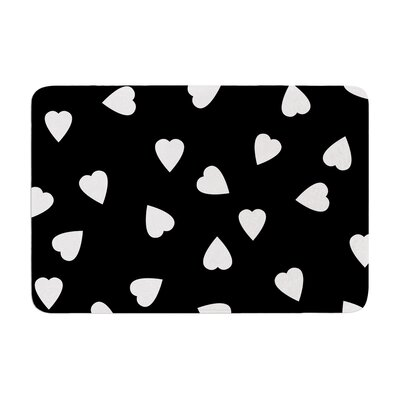 Suzanne Carter Hearts Memory Foam Bath Rug Color: White