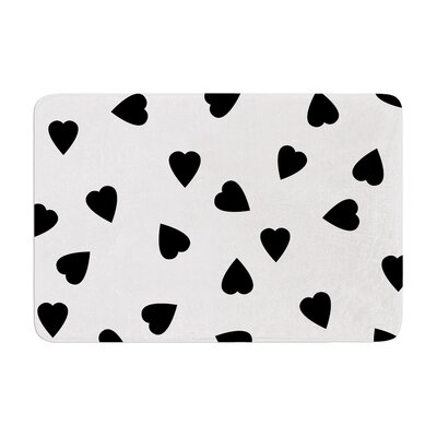 Suzanne Carter Hearts Memory Foam Bath Rug Color: Black