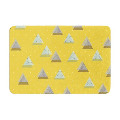 Strawberringo Triangles Geometric Memory Foam Bath Rug