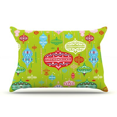Miranda Mol Ornate Ornaments Pillow Case Color: Green
