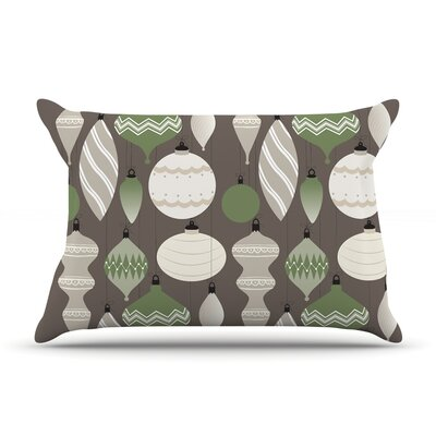 Mixed Ornaments Pillow Case Color: Brown/Green