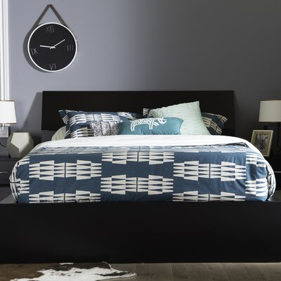 Step One Queen Platform Bed Color: Black