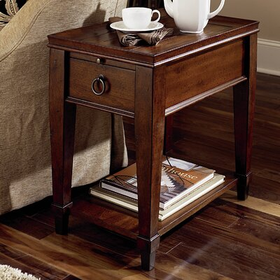 Fitzhugh Chairside Table