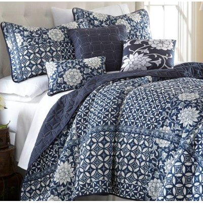 Willsboro Zion Quilt Set Size: Queen