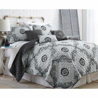 Keaton 6 Piece Reversible Quilt Set Size: King