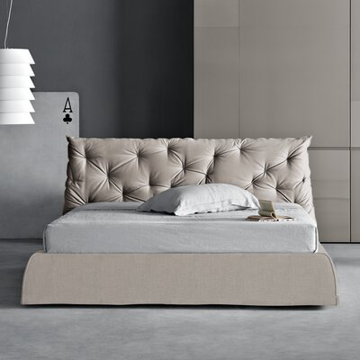 Impunto Upholstered Platform Bed Size: King