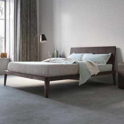 Spillo Platform Bed Size: King