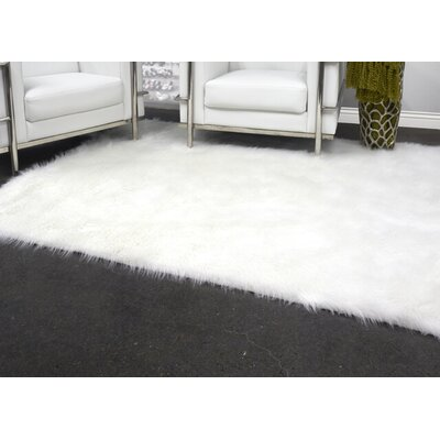 Linden Ivory Area Rug Rug Size: Rectangle 23 X 36