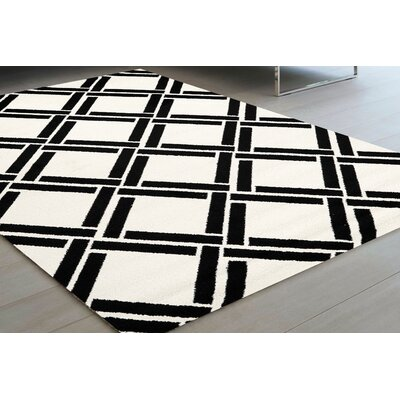 Ottilie Diamond Black/White Area Rug Rug Size: 53 x 77