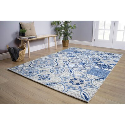 Lyonsdale Blue Quilted Design Blue/Cream Area Rug Rug Size: 53 x 77