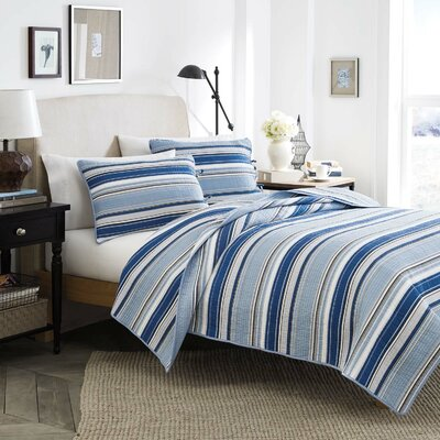 Strauss Cotton Quilt Set Size: Twin