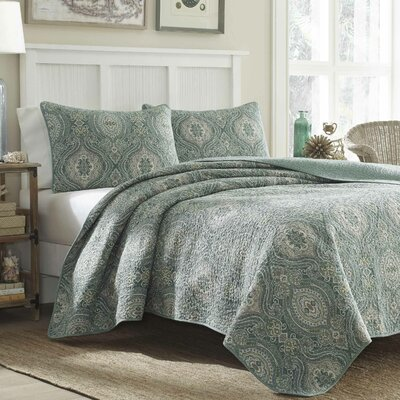 Turtle Cove Lagoon 136 Thread Count 100% Cotton Quilt Set Size: Full / Queen