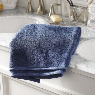 Vivienne Monogrammed Towel Size: Bath Towel, Color: Navy