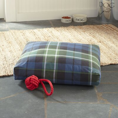 Gifford Pet Bed, Navy Plaid Size: Medium
