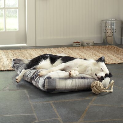 Gifford Pet Bed, Natural Plaid Size: Small