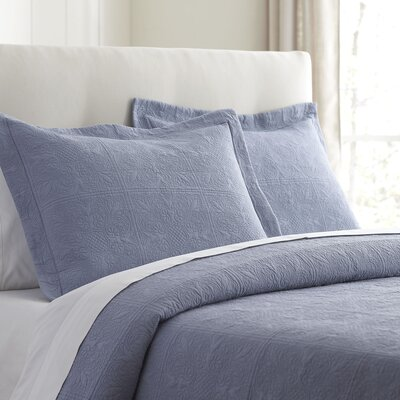 Jolie Bedding Matelasse Size: King, Color: Blue