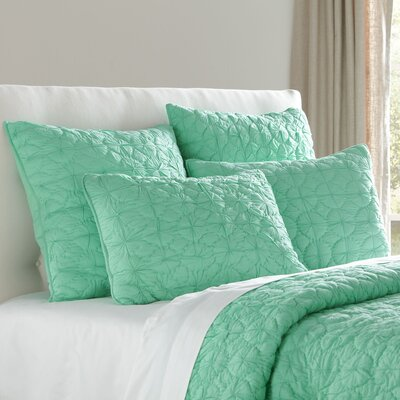 Melody Bedding Quilt Size: Twin, Color: Cool Aqua