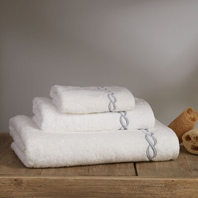 Willow Towel Color: White/Silver, Size: Bath Towel