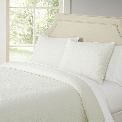 Deborah Ivory Quilt Set Color: Ivory, Size: Full / Queen