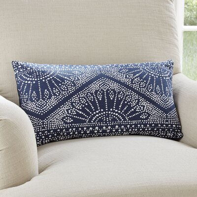 Ginnifer Pillow Cover