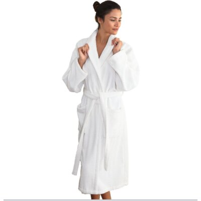 Winchester Monogrammed Bathrobe Size: Robe, Color: White
