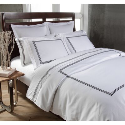 Tappen Duvet Set Color: White / Black, Size: Full / Queen