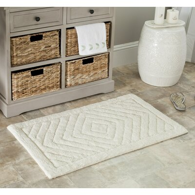 Clarise Bath Mat Set Size: 34