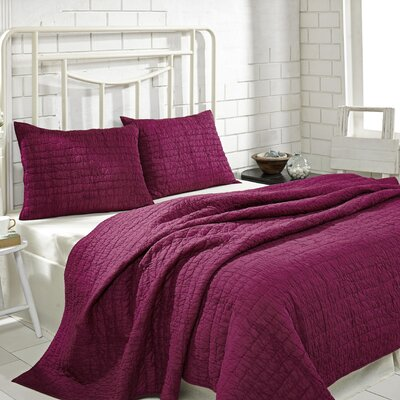 Rochelle Quilt Set Size: Queen, Color: Boysenberry