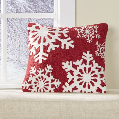 Flurries Hooked Pillow Cover Color: Red
