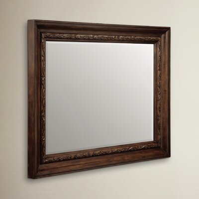 Wellsburg Mirror Finish: Walnut