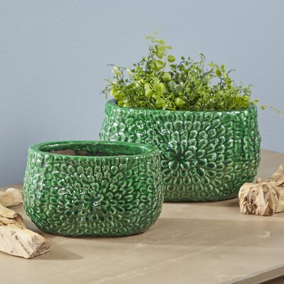 Torrance Terracotta Pot Planter Size: Small