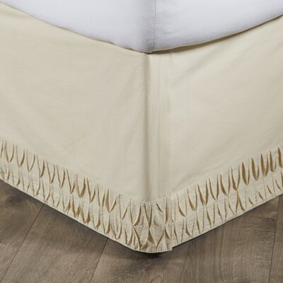 Madelyn Bed Skirt Size: King, Color: Creme
