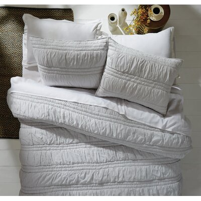 Loren Quilt Set Size: King, Color: Silver Cloud