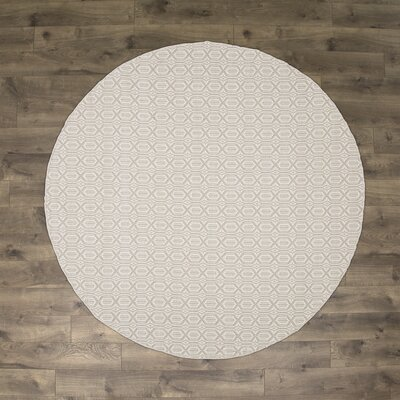 Oxbow Hand-Woven Ivory/Gray Area Rug Rug Size: Round 6