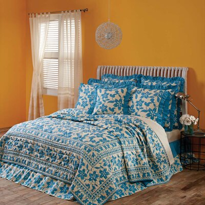 Kim Quilt Size: Queen, Color: Azure