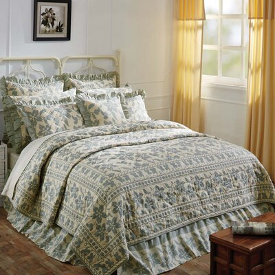Kim Quilt Size: Queen, Color: Sage