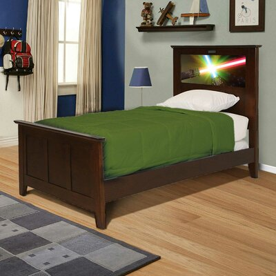 Shaker Panel Bed Finish: Chocolate, Size: Full
