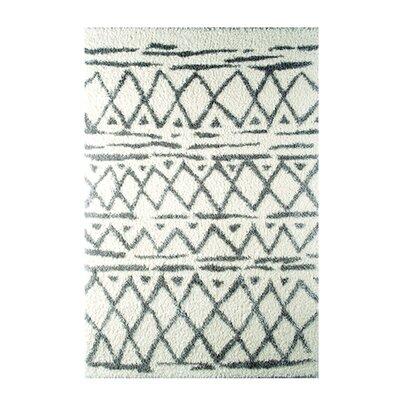 Carrara White/Green Area Rug Rug Size: 79 x 98