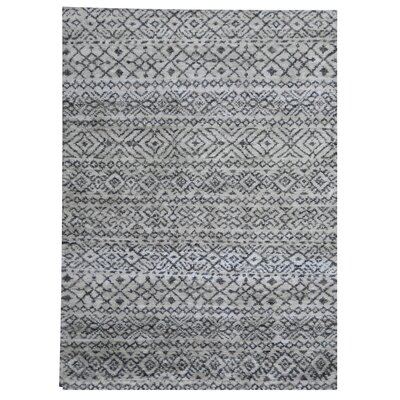 Shawnee Hand Woven Gray Area Rug