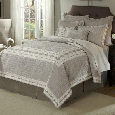 Veranda Quilt Size: King