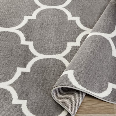King Gray Area Rug Rug Size: 5'3