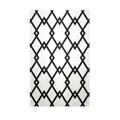 Decorative Geometric White/Black Area Rug Rug Size: 5 x 7