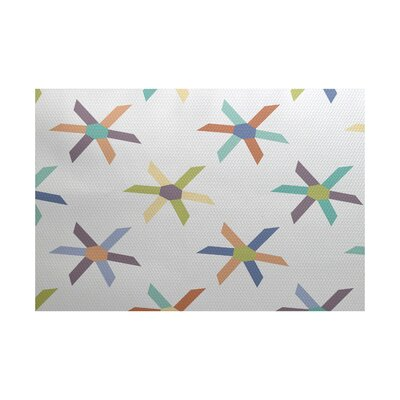 Boubacar Pinwheel Indoor/Outdoor Area Rug Rug Size: Rectangle 3 x 5