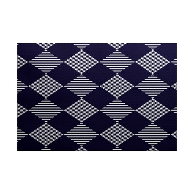 Christmass Blue Indoor/Outdoor Area Rug Rug Size: 4 x 6