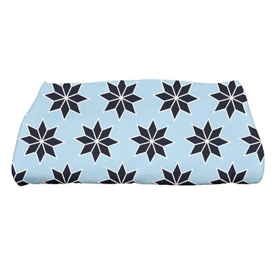 Holiday Wishes Christmas Stars Bath Towel Color: Light Blue/Dark Blue/White THGN668BL24BL14