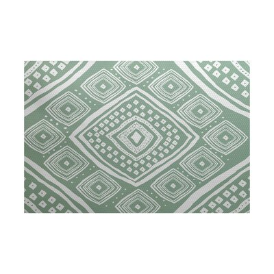 Hieu Green Indoor/Outdoor Area Rug Rug Size: 5 x 7