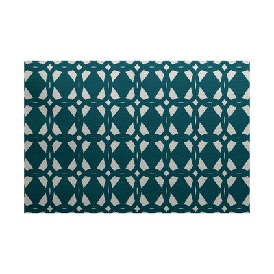 Kneeland Geometric Print Teal Indoor/Outdoor Area Rug Rug Size: 4 x 6