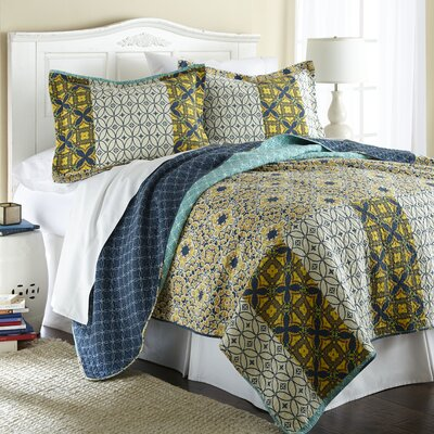 Pennington Coverlet Set Size: Full / Queen