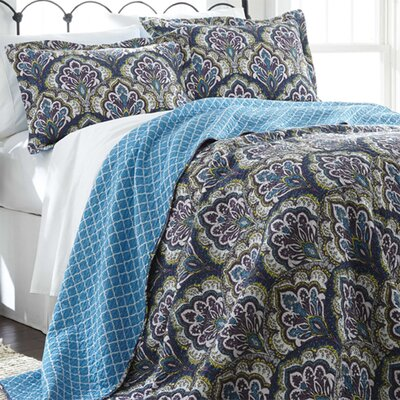Cruise 3 Piece Reversible Quilt Set Color: Blue, Size: Twin