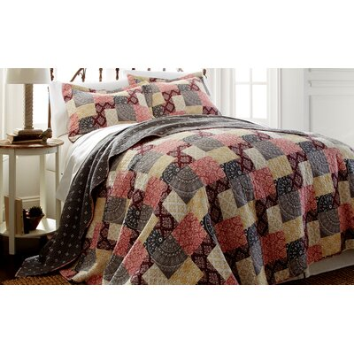 Shannon Quilt Set Size: Full/Queen